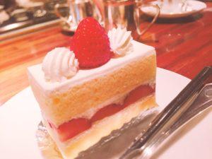 イチゴのショットケーキ(加工後)