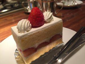 イチゴのショートケーキ(加工前)